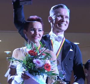 Bernd Farwick und Petra Voosholz sicherten sich den Tiel im Deutschlandpokal der Senioren III S im Standardtanz
