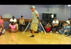 Breakdance auf einem Bein