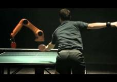 Tischtennis: Mensch gegen Maschine