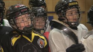 """Nicht nur """"echte"""" Männer, sondern auch Kinder können Inline-Skaterhockey bei den Berlin Buffalos betreiben"""