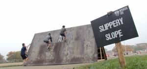 Die KrassFit Challenge bietet insgesamt 18 Hindernisse auf den Laufstrecken.