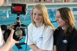 Produktion des Vorstellungsvideos: die Synchronschwimmerinnen vom SC Wedding sind für den Amateursport-Preis 2016 nominiert!